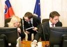 Ministri odmietli škrty pred voľbami (Hospodárske noviny)