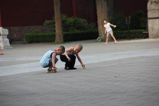 Zachránila čínska politika jedného dieťaťa svet?