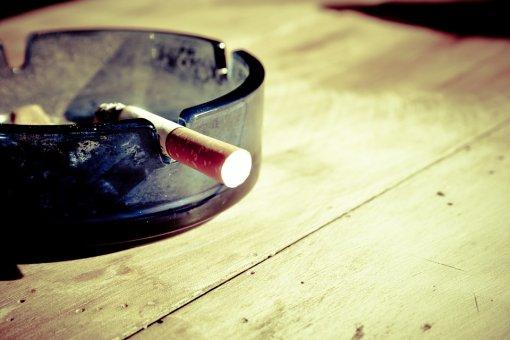 Kto je tu v skutočnosti závislý od fajčenia?