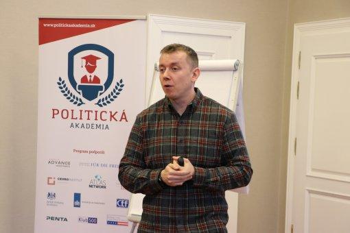 INESS na Politickej akadémii
