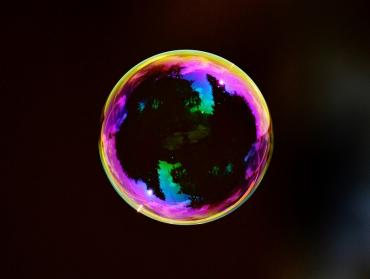 Je to tu? Praskla bublina?