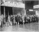 Nezamestnanosť furt bolí, aj keď klesla na úroveň Európskej únie