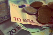 Fico chce znižovať minimálnu mzdu