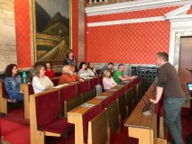 INESS s novou učebnicou po Slovensku